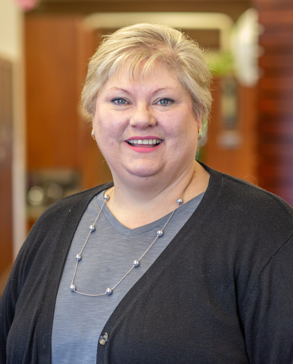 JoAnn-office-receptionist-at--Vaughn-Family-Dental-Best-Dentist-in-Independence-Missouri-MO